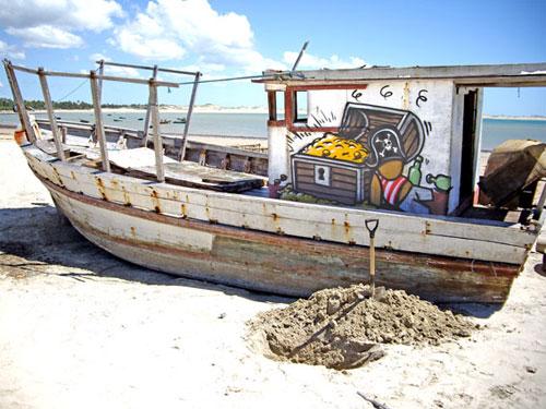 Jace Piraten am Strand Graffiti